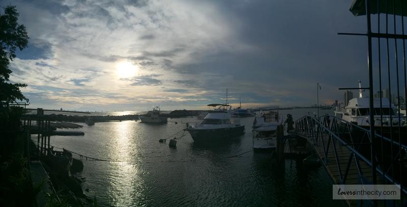 Manila Bay Yacht Cruise Dinner